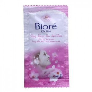Bioré Shower fresh cherry blossoms 5g – Sachet