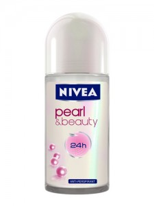 Nivea Deodorant roll-pearl & beauty 50ml