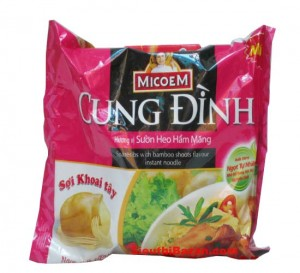 CUNG DINH Spareibs With bamboo Shoots  Flavour Instant Noodle  80g – bag